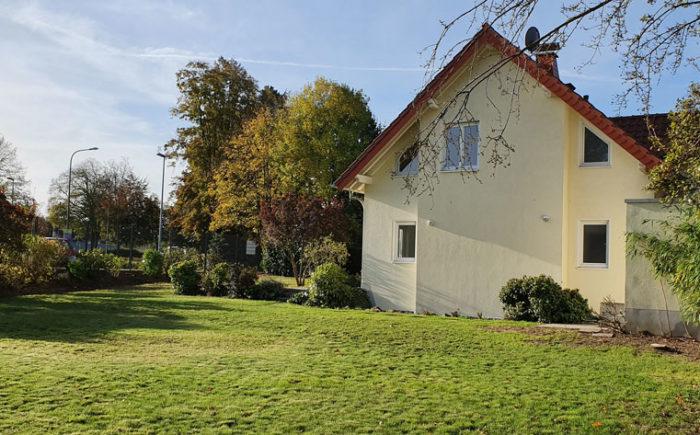 Gartenansicht Modernes Einfamilienhaus